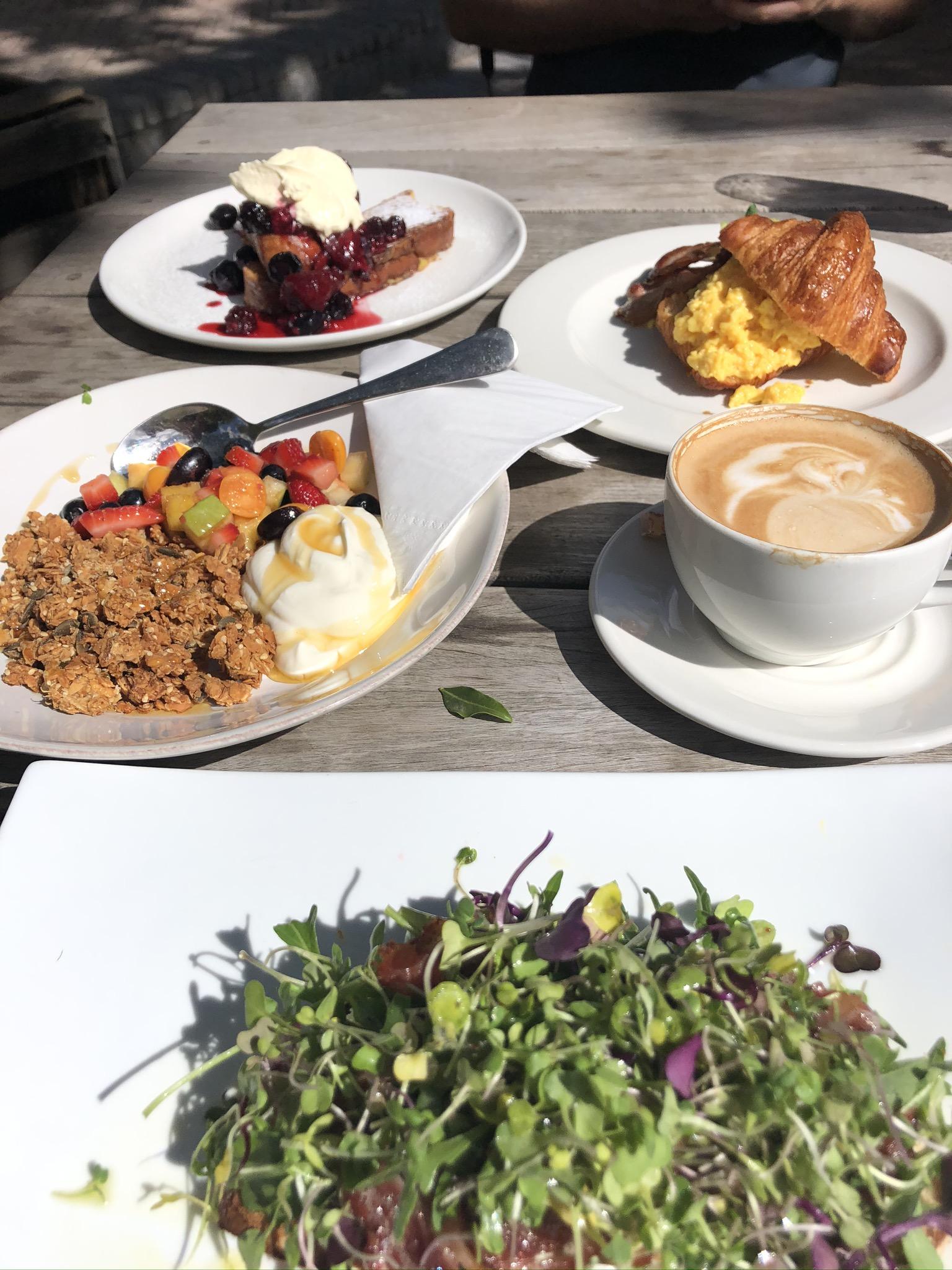 Frühstück im ile de pain in Knysna