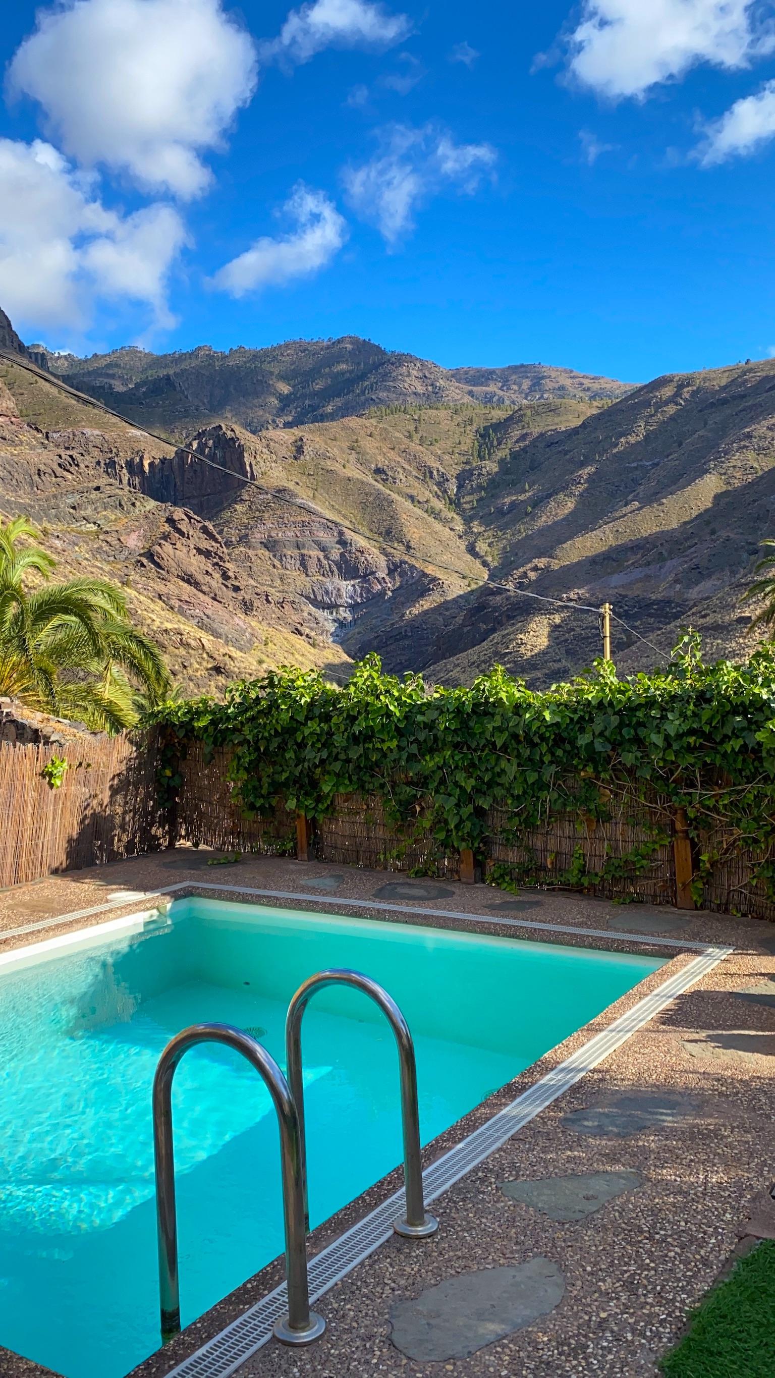 Blick auf den Pool der Casa Tamadaba auf Gran Canaria