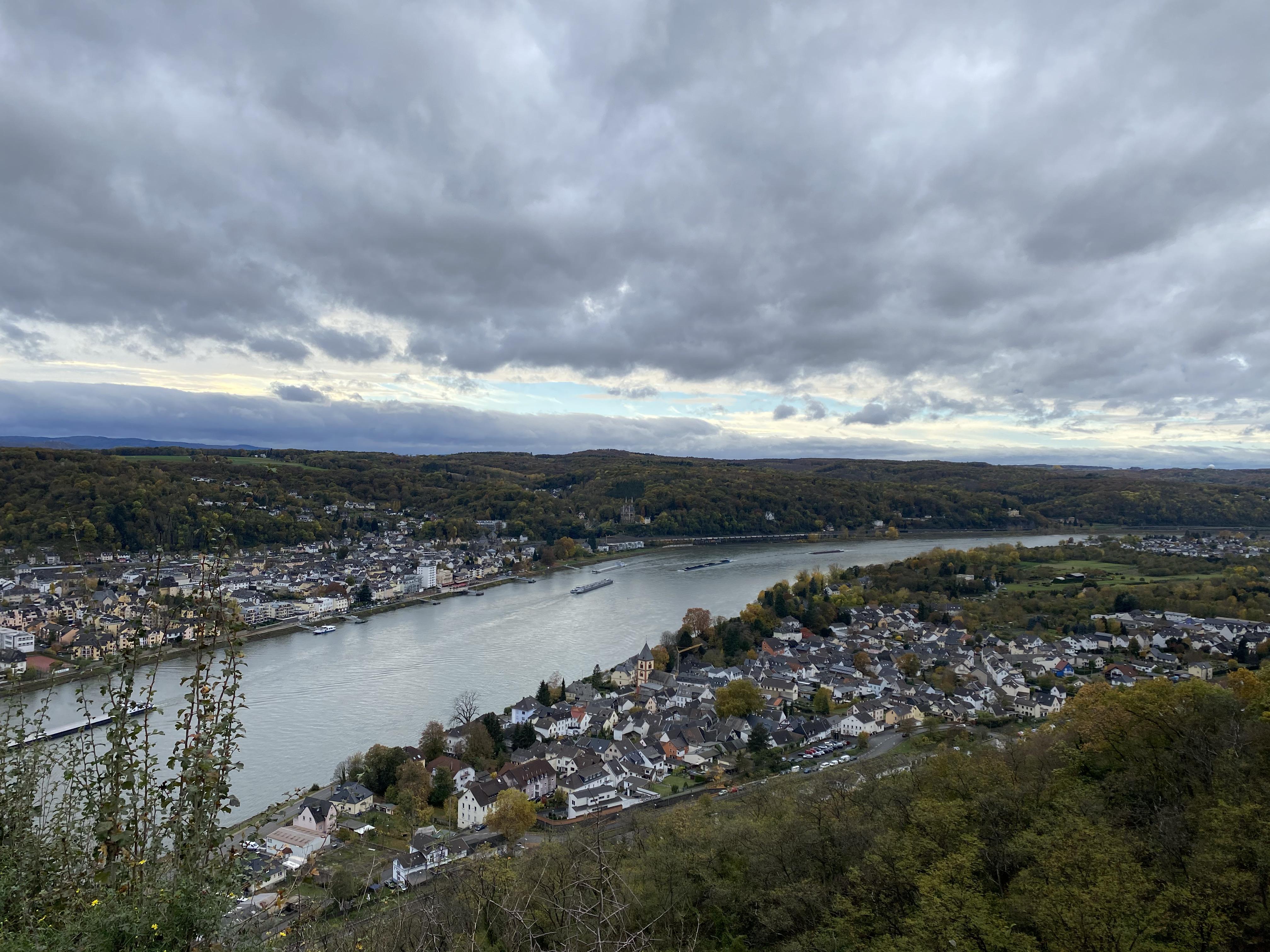 Blick von der Erpeler Ley auf den Rhein
