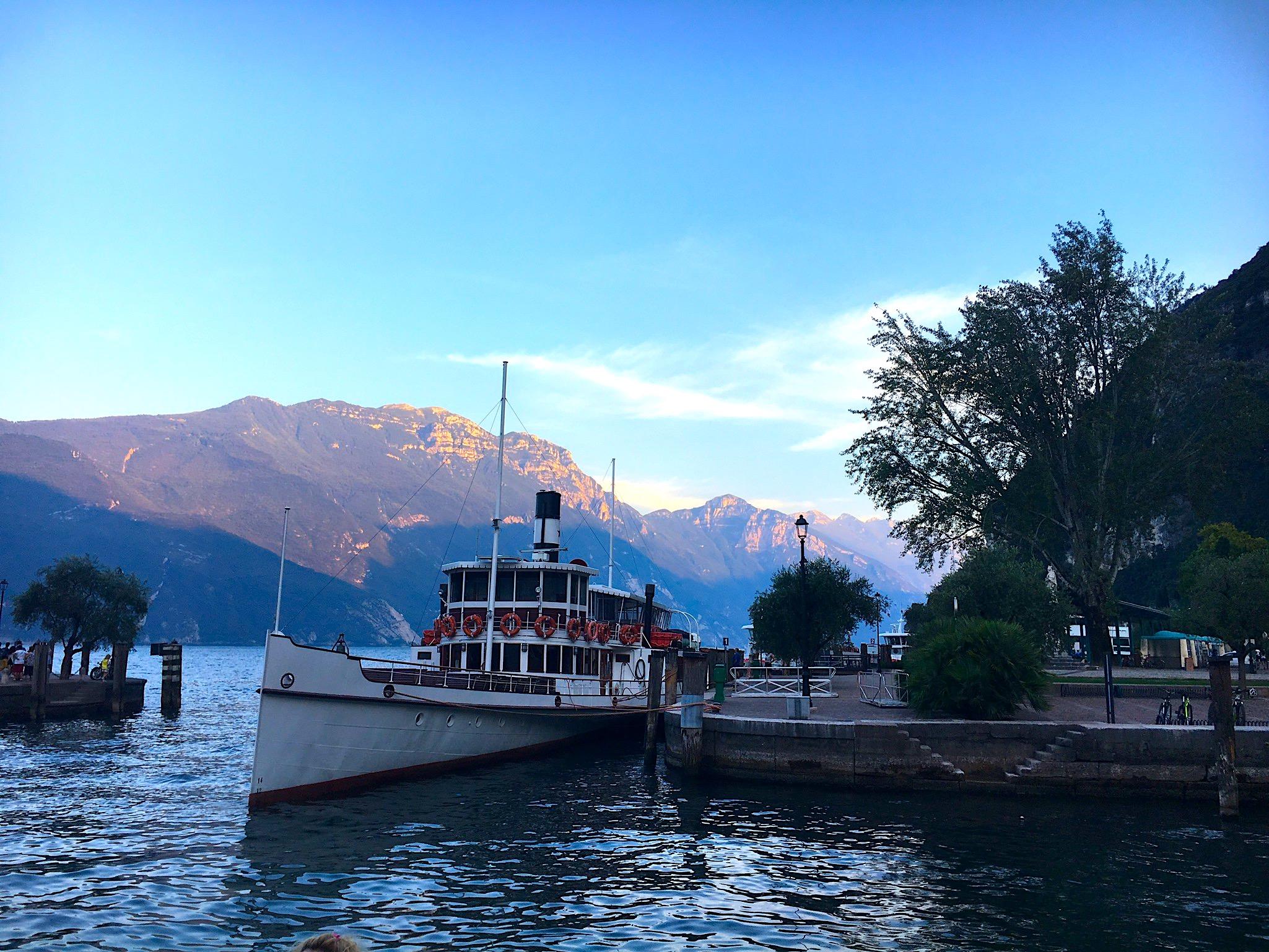 Schiff in Riva del Garda