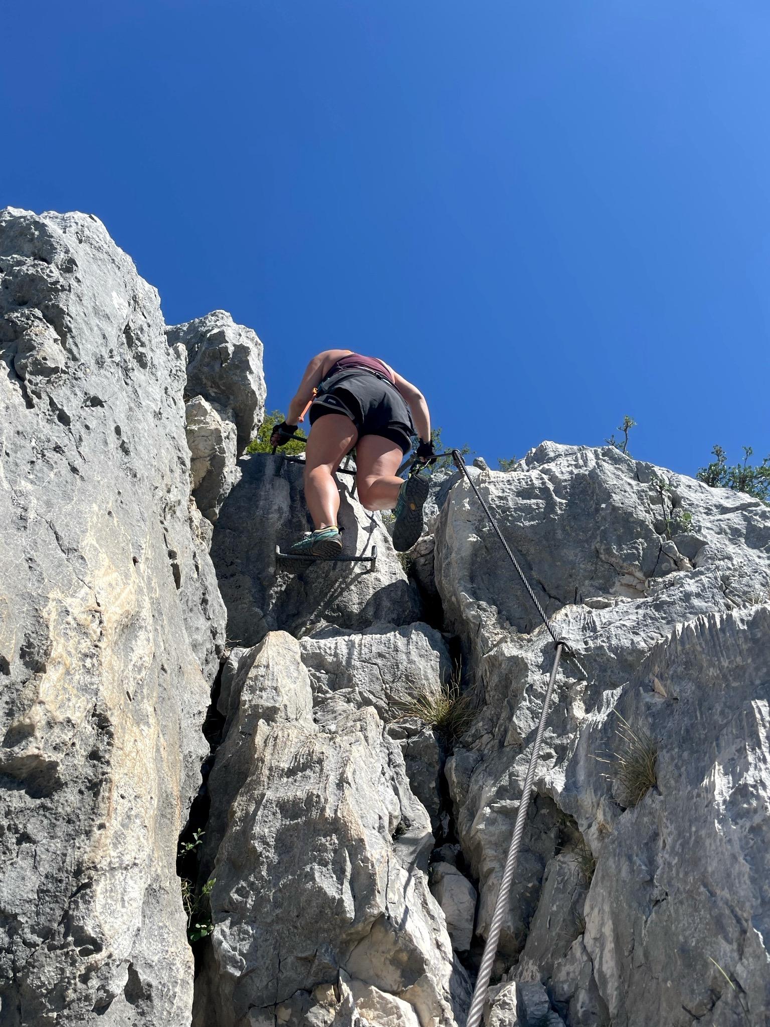 Steiles Stück am Klettersteig Fausto Susatti